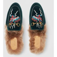 Gucci Princetown Velvet Embroidered Slipper (14,955 MXN) ❤ liked on Polyvore featuring men's fashion, men's shoes, men's slippers, mens green shoes, mens fur lined slippers, mens shoes, gucci mens slippers and mens embroidered slippers