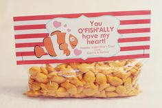 cute ideas for packaging kid snacks for school parties or just for fun!
