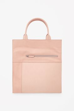 Panelled leather tote / cos