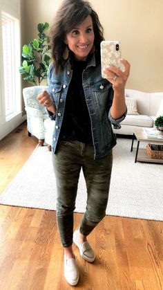 What I Wore + A Sneak Peek - Cyndi Spivey - What I Wore + A Sneak Peek. Try a little camo this spring, here are some tips on how to wear it. Camo Jeans Outfit, Jean Jacket Outfits, Camo Outfits, Casual Outfits, Camo Dress, Black Outfits, Fall Winter Outfits, Spring Outfits, Casual Winter
