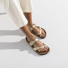 BIRKENSTOCK Mayari Birko-Flor Gold in all sizes ✓ Buy directly from the manufacturer online ✓ All fashion trends from Birkenstock Birkenstock Sandals Outfit, Birkenstock Style, Birkenstock Mayari, Gold Birkenstocks, All Fashion, Fashion Trends, Comfortable Sandals, Strap Heels, Signature Style