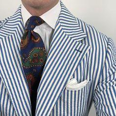 Monday ootd. #men #menstyle #menswear #mensfashion #napoli #sprezzatuza #mensclothing #bespoke #dandy #gentleman #mensaccessories #mensstyle #tailor #milano #fashion #menwithclass #italy #style #styleformen #wiwt #suit #dapper #menwithstyle #ootd #daily #moda #stile #elegance #classy #mnswr Seersucker Blazer, Navy Blue Striped Suit, Navy And White, Men's Accessories, Hunting Suit, Dandy, Linen Suit, Elegant Man, Summer Jacket