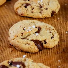 Salted Dark Chocolate Olive Oil Cookies - Salted Dark Chocolate Chunk Cookies with Olive Oil (no butter! Salt Cookies Recipe, Cookie Recipe With Oil, Chip Cookie Recipe, Easy Cookie Recipes, Baking Recipes, Dessert Recipes, Baking Cookies, Easy Desserts, Coconut Oil Chocolate