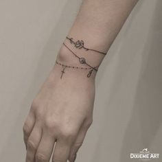 Bracelet - Tatuaje - - My list of the most creative tattoo models Bff Tattoos, Armband Tattoos, Anklet Tattoos, Mini Tattoos, Flower Tattoos, Small Tattoos, Charm Bracelet Tattoo, Bracelet Bras, Bracelet Tattoo For Man