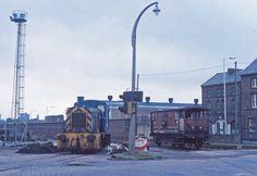 https://flic.kr/p/qtqrJg | 03170 Duke Street, Birkenhead Docks. | On an overcast September 19th 1982, 03170 keeps company with an ex LMS Brake Van DM731833 at Duke Street on Birkenhead Docks. Beyond the 03 the MD&HB tracks lead away towards Canning Street Junction and Rock Ferry.