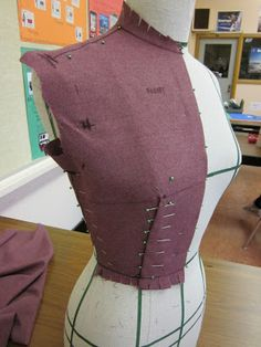 Resurrecting this blog from the grave…with draping! | Full-Time Vixen Draping Techniques, Tailoring Techniques, Techniques Couture, Sewing Techniques, Sewing Basics, Sewing Hacks, Sewing Tutorials, Fashion Sewing, Diy Fashion