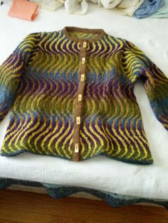 I'm happy with the end result.  WOW,  Would love attribution for this beautiful cardi.