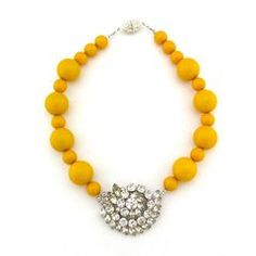 Design Darling: The Design Dialogues {Emily Maynard} Yellow Necklace, Yellow Jewelry, Beaded Necklace, Necklaces, Old Jewelry, Stylish Jewelry, Vintage Jewelry, Jewelry Ideas, Jewelry Box