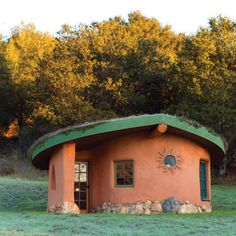 Cob Building Basics: DIY House of Earth and Straw - Green Homes - MOTHER EARTH NEWS