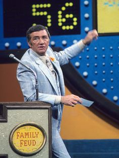 Richard Dawson From Cpl. Newkirk on Hogan's Heroes to the host with the most on Family Feud, Richard Dawson was a crowd pleaser. It is estimated that he kissed approximately ladies during his nine years on the Feud. Richard Dawson, Hogans Heroes, Tv Show Games, Family Feud, Vintage Tv, Vintage Hollywood, Fashion Vintage, Old Tv Shows, Classic Tv