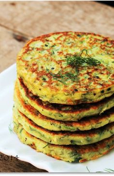 Low FODMAP and Gluten Free Recipe - Zucchini pancakes with tomato sauce