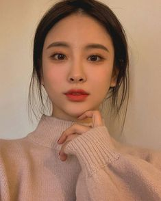 Korean makeup tips: In the event the skin on our face is very dry, you should th. Korean makeup tips: In the eve. Asian Makeup Looks, Korean Natural Makeup, Korean Makeup Tips, Korean Makeup Look, Korean Beauty, Korean Makeup Tutorials, Pretty Makeup, Simple Makeup, Makeup Inspo