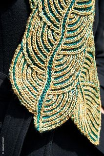 Hosta brioche scarf. Beautiful two colored scarf. Ravelry purchase