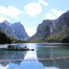 Der Toblacher See: ein Naturspektakel in den Dolomiten