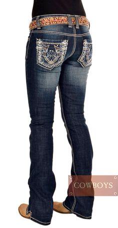 Calça Feminina Importada Cowgirl Up Azul   Calça jeans feminina muito confortável, jeans com algodão e strech, boca boot cut, bolsos bordados e costuras laterais marcantes. Muito indicada para mulheres que adoram o estilo country mas não deixam de ser modernas, essa era a peça que faltava para completar um lindo e moderno look country.