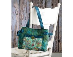 Easy Medium Batik Handbag featured in Learn to Sew a Designer Handbag with Nancy Green. Watch a free preview here: http://www.anniescatalog.com/onlineclasses/detail.html?code=SBV01