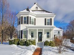 View property details for 126 West Elm St, Yarmouth, ME. 126 West Elm St is a Single Family property with 4 bedrooms and 5 total baths for sale at $835,000. MLS# 1251493.