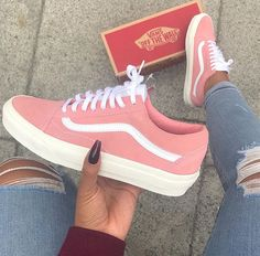 outfit vans old skool mujer ~ outfit vans ; outfit vans old skool ; outfit vans slip on ; outfit vans old skool mujer ; Cute Vans, Cute Shoes, Me Too Shoes, Trendy Shoes, Casual Shoes, Moda Sneakers, Shoes Sneakers, Pink Vans Shoes, Pink Flats
