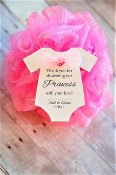 10 tags ~ Thank you for showering our Princess with your love ~ Gift Tags ~ Baby Shower ~ Wine Bottle Gift ~ 2 ~ TAG ONLY - Everythink for Babyshower Baby Shower Favours For Guests, Baby Shower Thank You Gifts, Baby Shower Favors Girl, Baby Girl Shower Themes, Girl Baby Shower Decorations, Baby Shower Princess, Baby Shower For Girls, Baby Shower Guest Gifts, Baby Favors