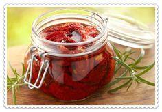 #вяленые_помидоры #вяленые_помидоры_на_зиму Самые популярные рецепты вяленых помидоров в домашних условиях: на зиму, простые, в духовке, в сушилке для овощей, в аэрогриле, в микроволновке, по-итальянски