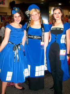 comic con 201. LOVE the Tardis outfit on the right