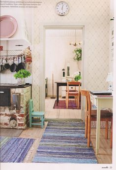 Finnish Country Kitchen With Rag Rugs From Maalla Home Ndash 2019 Old House Decorating, Interior Decorating, Home Interior, Interior Design, Scandinavian Cottage, Cozy Living, Small Rooms, Home Furniture, Furniture Ideas