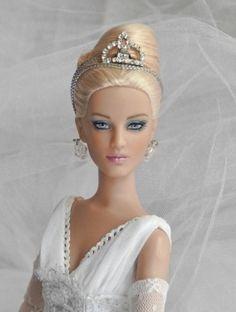 About Jacqueline Frost: snowqueendolls.blogspot.com