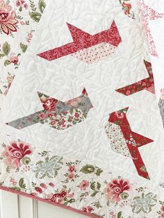 Quilt Pattern - -Cardinals Quilt Pattern - - Here's a Great Solution Recommend by Beauty Experts for Firmer, Younger Looking Skin. Cardinals Flutter Across This Beautiful Quilt - Quilting Digest Feathers Quilt Pattern Pineapple Paper Pieced Lap Quilt Patterns, Christmas Quilt Patterns, Pattern Blocks, Christmas Quilting Projects, Bird Patterns, Lap Quilts, Small Quilts, Strip Quilts, Cardinals