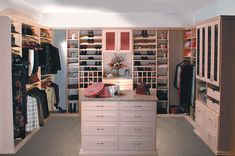 These Special Features Can Transform Your Walk-in Closet into a Personal Boutique