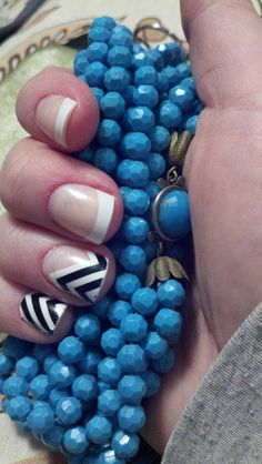 Chevron nails... Ok this is the exact look I want... My pinkie is very small though so maybe going the other way and I want the design to be a little more detailed (see other chevron nails)  #nailstyle