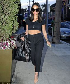 Olivia Munn was radiant as she showed off her tiny frame in her smart/casual ensemble  Read more: http://www.dailymail.co.uk/tvshowbiz/article-2545266/Olivia-Munn-flaunts-toned-tum-black-crop-skinny-joggers-stops-nail-bar.html#ixzz2rQLcbjC2  Follow us: @MailOnline on Twitter | DailyMail on Facebook