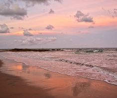 sky, clouds, and beach image Pretty Sky, Beautiful Sky, Beautiful Places, Nature Aesthetic, Beach Aesthetic, Sky Sea, Aesthetic Pictures, Aesthetic Wallpapers, Summer Vibes