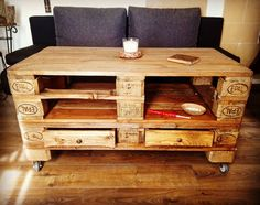 DIY #wood #woodwork #woodworking #woodworker #finewoodworking #woodlovers #wooddesign #recycledwood #artisanwood #art #artwork #handmade #diyproject #doityourself #pallet #pallets #palletwood #palletwoodproject #palletdecor #reclaimedpallet #design #houseinterior #interiordesign #interiorproject #housedesign #stuff #accessories