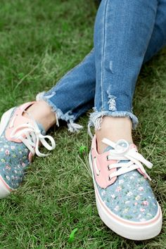 REGISTER ON PERSNMALL.COM Casual Flowers Print Low Top Sneaker