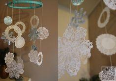 8. #Chandelier - 12 Sweet DIY #Snowflake Craft #Projects ... → DIY #Paper