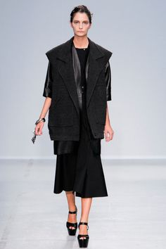 Véronique Leroy Spring 2014 Ready-to-Wear Collection Slideshow on Style.com#2#6#6#9