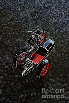 BMW R12 with Zeppelin Sidecar