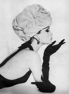 Balenciaga, Harper's Bazaar April 1961