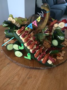 Little Presents, Dinosaur Birthday Party, Party Food And Drinks, Halloween Food For Party, Party Treats, Themed Cakes, Baby Food Recipes, Homemade, Snacks
