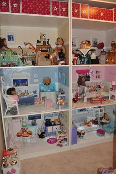 American Girl doll house amazing, How fun to sit and dream about having an American Doll house this wonderful. Casa American Girl, American Girl Doll Room, American Girl Parties, American Girl Crafts, American Girl Clothes, Girl Doll Clothes, American Girl Dollhouse, American Dolls, Baby Boy Fashion