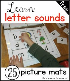 FREE Letter and Sound Learning Picture Mats The Measured Mom has 25 FREE picture Mats to learn the letter sounds. This set includes a total of 25 picture mats with matching letter Kindergarten Literacy, Preschool Learning, Kids Learning, Early Literacy, Learning Spanish, Alphabet Activities, Literacy Activities, Letter Sound Activities, Preschool Alphabet