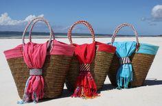 Strandtassen - Handgemaakte rietentas met tradionele rode Kikoy - Een uniek product van sawahandmade op DaWanda