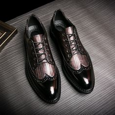 Men Casual Luxury Brand Flats Genuine Leather Black Formal Dress Wedding Brogues Shoes Zapatos Hombre Wingtip Shoes Burgundy