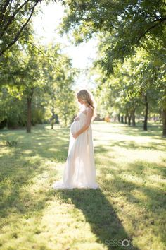 Maternity Shoot, Grove