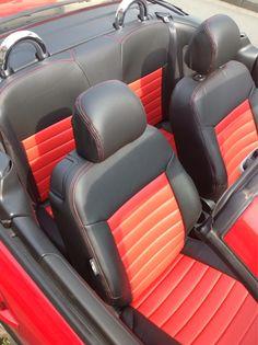 Peugeot 206 CC Autositzbezüge nach Maß in der Designvariante Lederlook gesamt. Zusätzliche wurde eine Querabsteppung eingearbeitet. An der Außenseite wurde zusätzlich eine rote Doppelnaht passend zu der Farbkombination ausgewählt. #Peugeot #206CC #Autositze #Sitzbezuege #Tuning #Autotuning #Cabrio