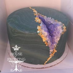 "81 Likes, 4 Comments - The House of Frosting (@thehouseoffrosting) on Instagram: ""Another geode cake, because SPARKLY! #thehouseoffrosting #geodecake #geode #amethyst #cake"""