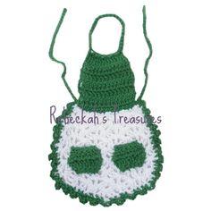 Free Crochet Mrs. Barbie Claus' Apron