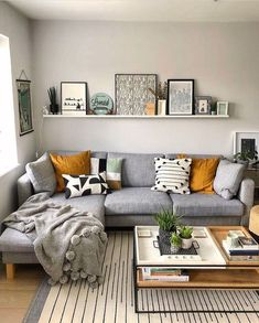 Cute Living Room, Cozy Living Rooms, Living Room With Color, Cool Living Room Ideas, Living Room And Bedroom Combo, Decorating Ideas For The Home Living Room, Next Living Room, Narrow Living Room, Ideas Hogar