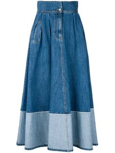 Andrea Ya& two-tone denim skirt EGP. Denim Fashion, Boho Fashion, Denim Wedding Dresses, Blue Denim Skirt, Blue Skirts, Mode Jeans, Skirt Patterns Sewing, Denim Outfit, Vintage Denim