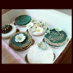 Stunning #henna #cupcakes - For all your cake decorating supplies, please visit craftcompany.co.uk